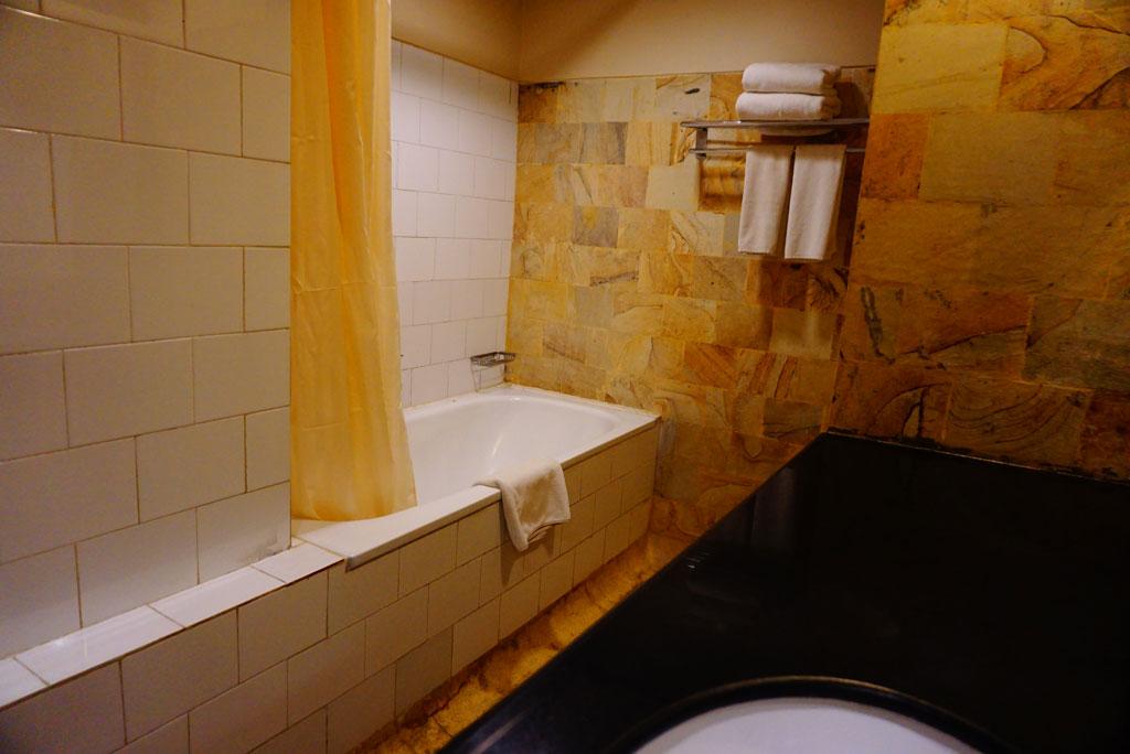 bathtub-beach-hotel-tanjung-lesung